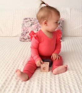 Dusty rose leggings with pink flutter