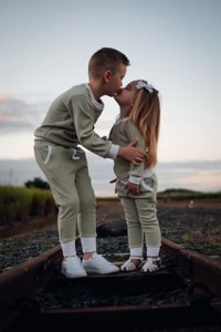 Siblings matching in Sage jumper